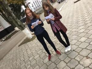молодежь выбирает  жизнь -раздача информационных листовок (1)